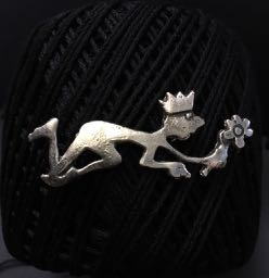 "The little King (""Who would lead must follow"") Sand-cast silver Brooch"